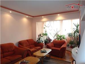 De vanzare apartament 4 camere in Vasile Aaron