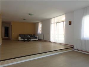 Apartament 3 camere de vanzare la casa in zona centrala Sibiu