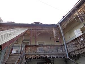 Apartament  la casa de vanzare in Sibiu
