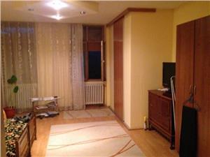 Apartament  la casa cu 3 camere de vanzare in Sibiu