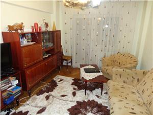Apartament 3 camere decomandate de vanzare zona Dumbravii - Sibiu