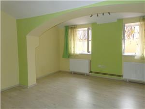 Apartament la casa de vanzare central in Sibiu