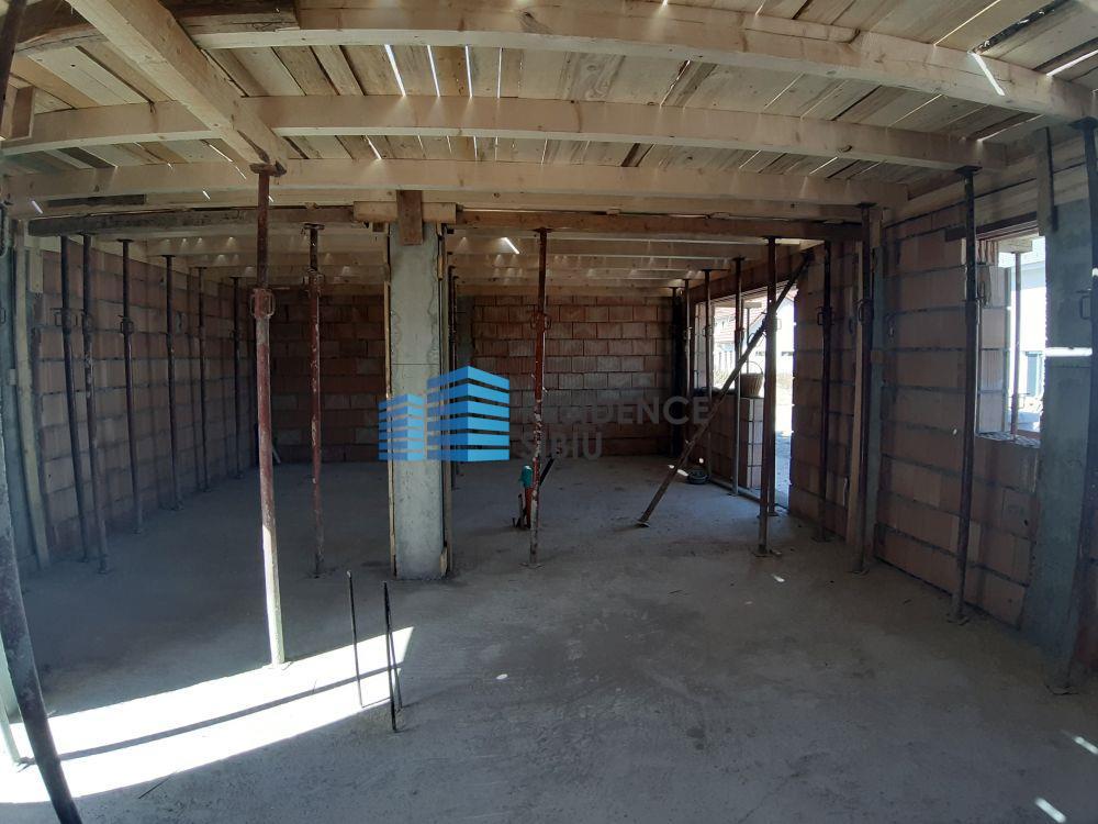 Apartament 3 camere, etaj I, de vanzare in Selimbar