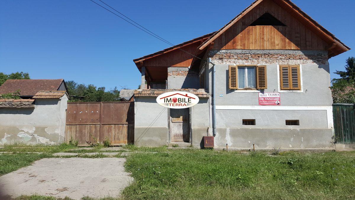 Casa libera de vanzare in marpod 6756 - Terenes casa rural ...