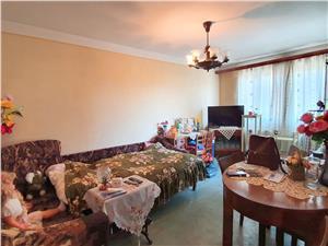 Apartament cu 3 camere decomandate in Vasile Aaron