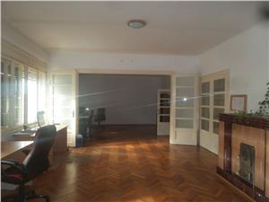 Apartament spatios pretabil birouri de inchiriat in Sibiu