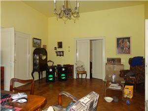 Apartament la casa  2 camere de vanzare zona centrala - Sibiu