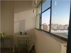 Vand apartament cu 2 camere zona Biserica Mihai Viteazul