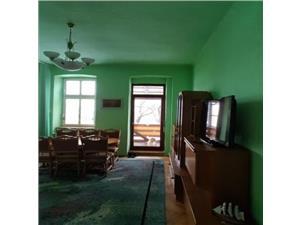 Apartament 3 camere  de vanzare in zona istorica Sibiu