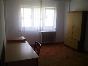 Apartament de vanzare 3 camere zona Hipodrom IV