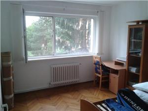 Apartament 3 camere de vanzare zona Hipodrom
