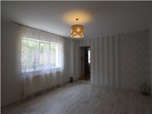 Apartament 3 camere la casa de vanzare in Lupeni