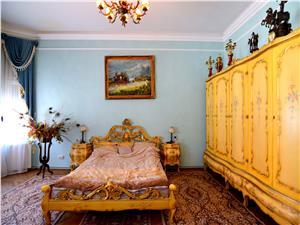 Apartament cu 5 camere, 200mp, zona Piata Mare