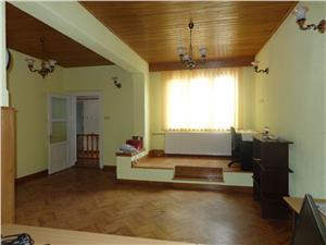 Casa 3 camere de vanzare in Sibiu