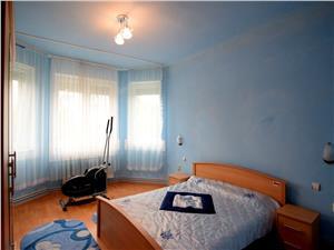 Casa 4 camere, 694 mp teren, zona Lazaret