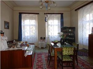 Apartament la casa de vanzare in Piata Mica