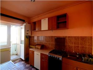 Apartament 3 camere, 75mp, etajul 3/10,zona Terezian - Str.  Lunga