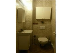 Apartament 3 camere de inchiriat in Sibiu