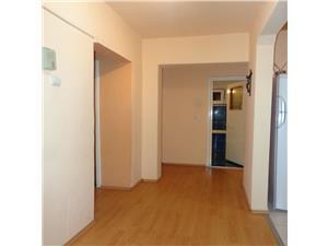 Apartament 3 camere decomandate de vanzare zona Dumbravii  Sibiu