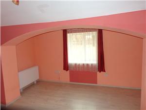 Apartament la casa de vanzare central in Sibiu