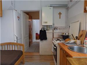 Apartament la casa cu o camera de vanzare in Sibiu