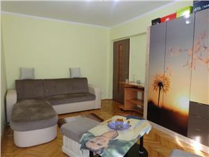 Apartament 3 camere etaj I de vanzare in Vasile Aaron - Sibiu